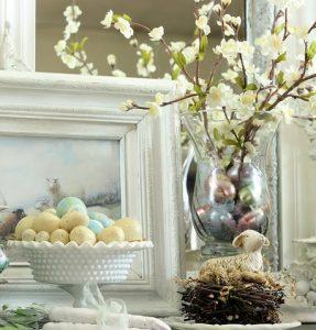 λουλουδια σε βαζο Πασχα