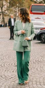 παστέλ πράσινο χρώμα σε ρούχα
