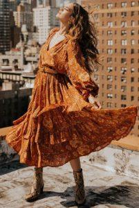 πορτοκαλί μάξι φόρεμα λεοπάρ μποτάκι