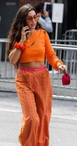 πορτοκαλι μπλουζα με ροζ πορτοκαλι παντελονα