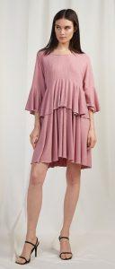 ροζ ανοιξιάτικο φόρεμα με βολάν ediva.gr