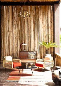 τοίχος με bamboo στο μπαλκόνι
