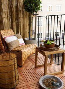 τοίχος με bamboo στη βεράντα