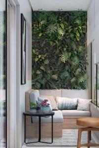 τοίχος με φυτά στη βεράντα