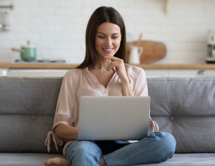Τι να προσέχεις όταν ψωνίζεις ρούχα μέσω internet!