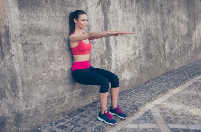Ασκηση, κάθισμα στον τοίχο