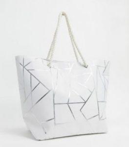 άσπρη μεγάλη τσάντα θαλάσσης