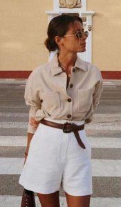 άσπρη βερμούδα μπεζ πουκάμισο φορέσεις βερμούδα
