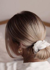 άσπρο λαστιχάκι μαλλιών