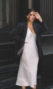 άσπρο slip dress μαύρο blazer