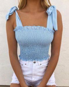 γαλάζιο μπλουζάκι με ιδιαίτερο δέσιμο