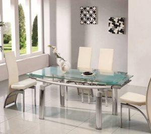 γυάλινο τραπέζι τραπεζαρίας