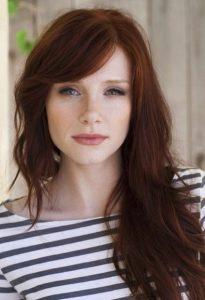 κόκκινα μακριά μαλλιά φράντζα πλάι κουρέματα πυκνά μαλλιά