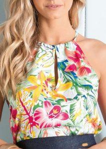 λουλουδάτη καλοκαιρινή μπλούζα