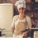 νεα κοπελα μαγειρισσα