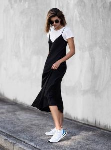 slip dress μαύρο άσπρο t-shirt
