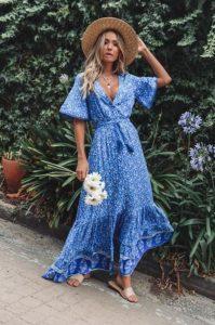 μάξι γαλάζιο φόρεμα σικ καλοκαιρινό ντύσιμο