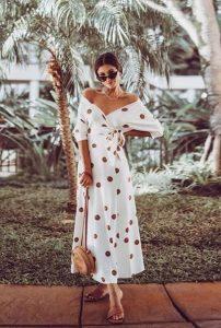 μιντι πουά φόρεμα άσπρο καφέ σικ καλοκαιρινό ντύσιμο