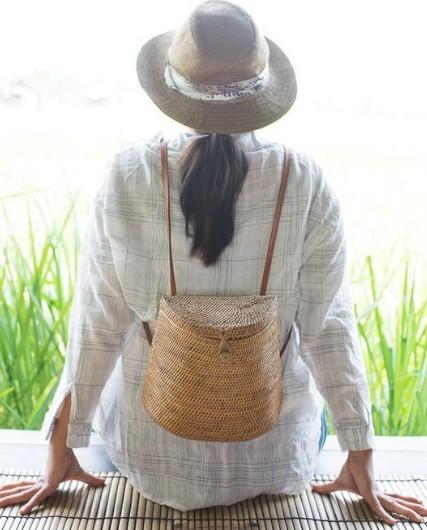 ψάθινη τσάντα πλάτης
