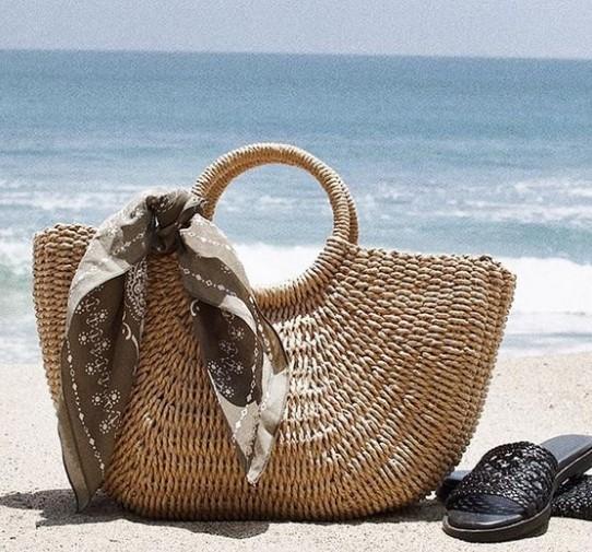 ψάθινη τσάντα θαλάσσης
