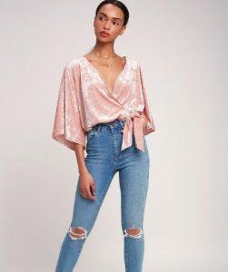 ροζ βελουτέ μπλουζάκι
