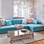 σαλόνι γαλάζιος καναπές φωτιστικά φως σπίτι