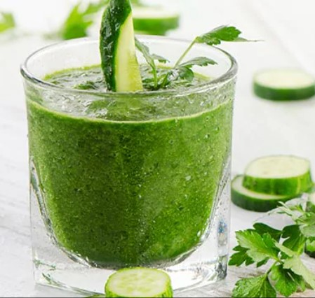 Φυσικός χυμός με ακτινίδιο και αγγουράκι για ενέργεια και αναζωγόνηση το καλοκαίρι