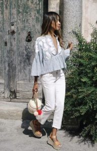 άσπρο τζιν παντελόνι πουκαμίσα κομμάτια καλοκαιρινή γκαρνταρόμπα