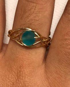 δαχτυλίδι με σύρμα και πέτρα