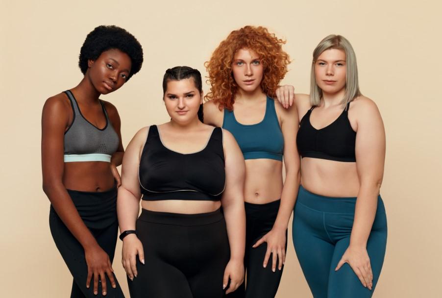 γυναίκες με αθλητικά ρούχα