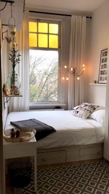 κρεβάτι με αποθηκευτικό χώρο παράθυρο