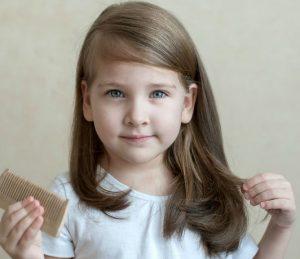 μαλλια με αφελειες κοριτσακι