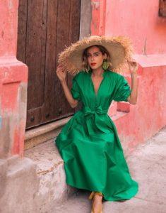 μακρύ πράσινο φόρεμα ψάθινο καπέλο