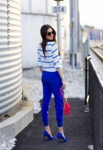 μπλε ανοιχτόχρωμο παντελόνι ριγέ μπλούζα