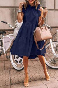 μπλε φόρεμα nude πέδιλο τσάντα