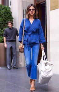 μπλε τζιν παντελόνι μπλε μπλούζα κρουαζέ