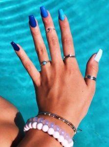 μπλε πολυχρωμια νυχιων