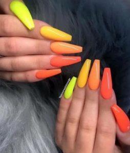 κιτρινο πορτοκαλι πολυχρωμια νυχια