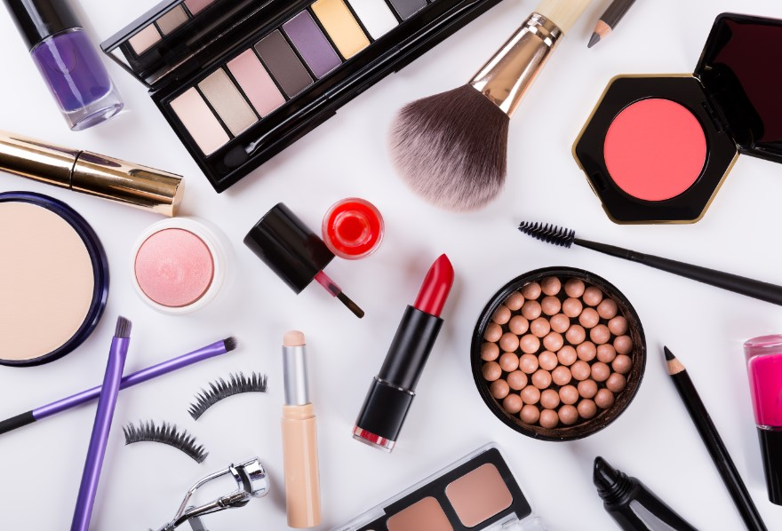 προϊόντα μακιγιάζ