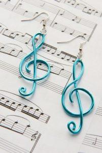 σκουλαρίκια με μουσικό κλειδί του σολ