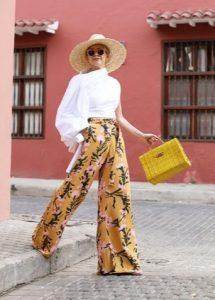 ορθογώνια κίτρινη τσάντα κίτρινη παντελόνα