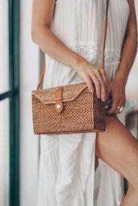 τετράγωνη ψάθινη τσάντα στυλ τσάντας καλοκαίρι