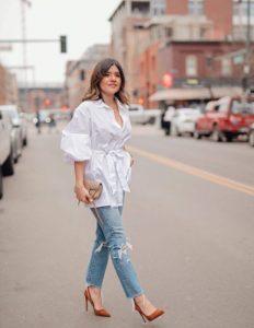 τζιν παντελόνι άσπρη πουκαμίσα κάνει φόρεμα μπλούζα
