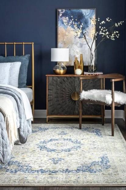 υπνοδωμάτιο navy blue τοίχος κρεβάτι