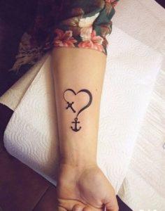 τατουαζ καρδια αγκυρα χερι