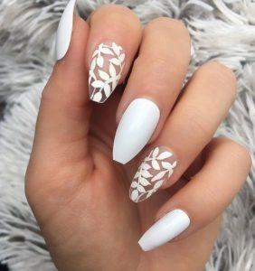 άσπρα floral νύχια