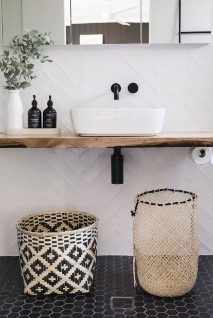 ψάθινα καλάθια μπάνιου