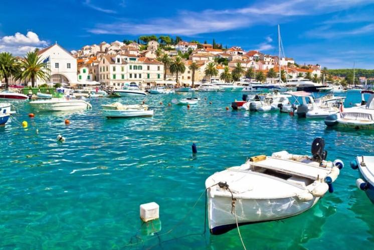 Χβάρ νησί στη Κροατία