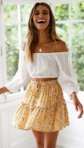 κίτρινη μίνι φούστα άσπρο μπλουζάκι φούστες καλοκαίρι
