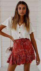 κόκκινη μινι φούστα άσπρη μπλούζα φούστες καλοκαίρι